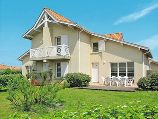 2 bedroom Apartment in Biscarrosse-Plage, Nouvelle-Aquitaine, France : ref 56465