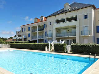 3 bedroom Apartment in Bretignolles-sur-Mer, Pays de la Loire, France : ref 5646