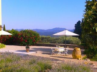 Traumhafte provencalische Ferienvilla mit Pool und phantastischem Blick