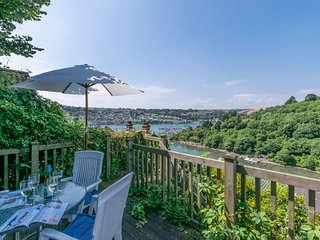 Oystershell Cottage -  Spectacular Views over the River Dart.