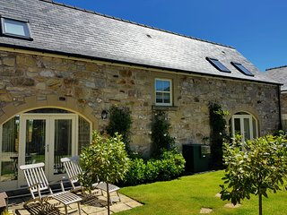 CAUSEWAY BARN- 5 Star, 'Gold' Award Cottage near Northumberland Coast