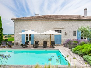 3 bedroom Villa in Loubès-Bernac, Nouvelle-Aquitaine, France : ref 5574463
