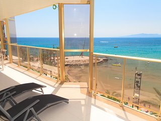 BARCINO 003: Spectacular apartment with large terrace and amazing sea views!