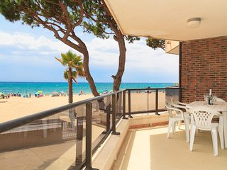 MEXICO I 150: Apartment with fantastic sea views, right on the Vilafortuny beach