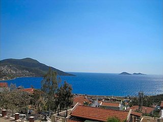 Kalkan Villa Sleeps 5 with Pool and Air Con - 5433449