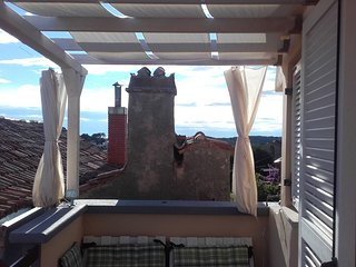 Newly renovated apatment for 5 persons, 3 Bedrooms, Terrace, Grill, Balcony