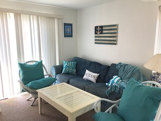 Beautiful Poolside and Oceanfront Beach Condo Rent