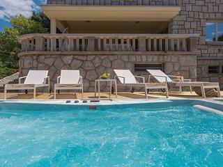 5 bedroom Villa in Njivice, Primorsko-Goranska Zupanija, Croatia : ref 5521172