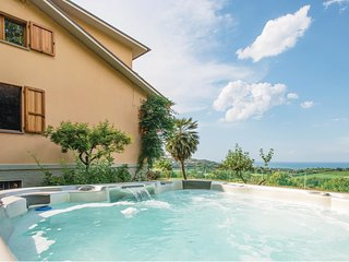 3 bedroom Villa in Roncosambaccio, The Marches, Italy : ref 5609496