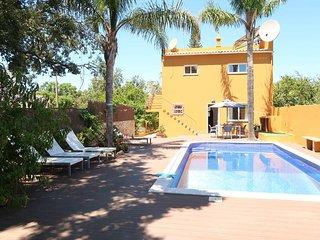 4 bedroom Villa in Pereiras, Faro, Portugal : ref 5434699