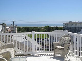 Asbury Updated ONE BLOCK from Beach 3BR ROOFTOP Ocean View Deck LOCATION!!