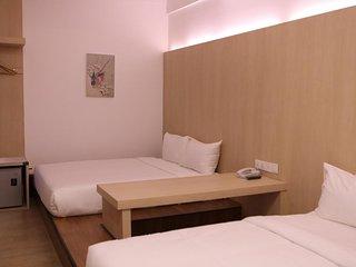 De House Hotel (Family Suite 1)