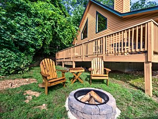 Maggie Valley Cabin w/Wraparound Deck & Mtn. Views