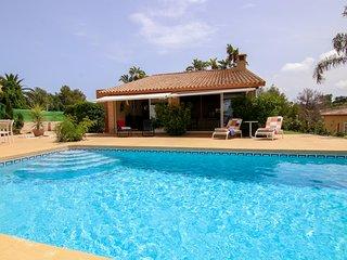 Preciosa villa con piscina privada! Ref.253512