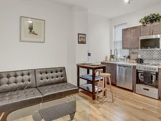MODERN Newly Renovated 2 Bdrm Townhome in Philly