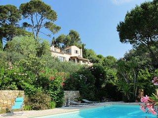 5 bedroom Villa in Grasse, Provence-Alpes-Cote d'Azur, France : ref 5435947