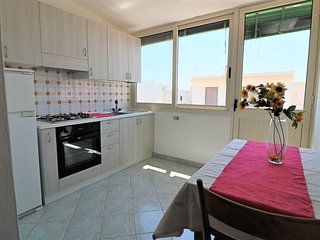Zeus holiday home on the first floor in Lido Marini in Salento, two steps from t