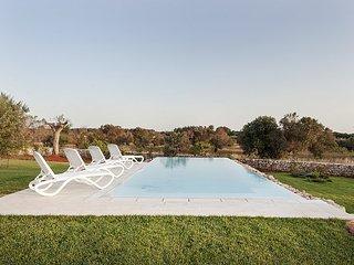 Marina di Pescoluse Villa Sleeps 7 with Pool Air Con and WiFi - 5647854