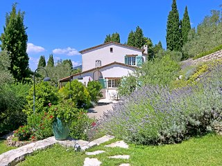 6 bedroom Villa in Saint-Marc-Jaumegarde, Provence-Alpes-Côte d'Azur, France : r