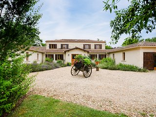 9 bedroom Villa in Montpon-Ménestérol, Nouvelle-Aquitaine, France : ref 5049637