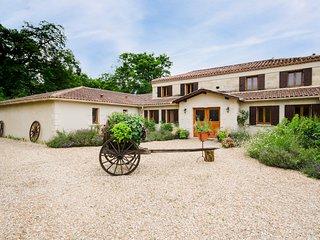 9 bedroom Villa in Montpon-Menesterol, Nouvelle-Aquitaine, France : ref 5049637