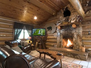 Erikas Dream - Handcrafted Log Cabin near The River