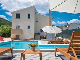 5 bedroom Villa in Novak, Splitsko-Dalmatinska Županija, Croatia : ref 5585769