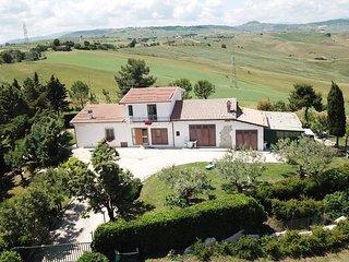 4 bedroom Villa in Montenero di Bisaccia, Molise, Italy : ref 5441309