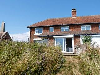 7 Coastguard Cottages