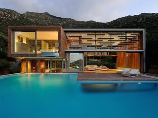 hout bay Holiday Apartment BL***********