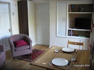 Winchester Holiday Apartment BL***********