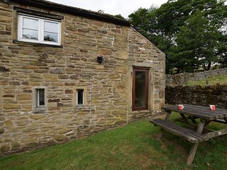 PK605 Cottage situated in Chapel-en-le-Frith (2.9mls E)