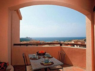 Calarossa - Seaview V apartment in Canneddi with private parking, private roof t
