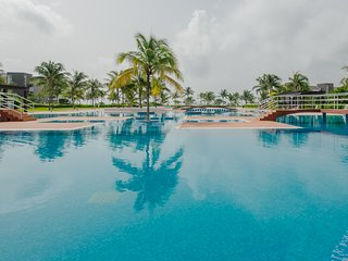✦ PRIVATE WADING POOL✦ Oceanfront Gated Community Beach Retreat Marea #202