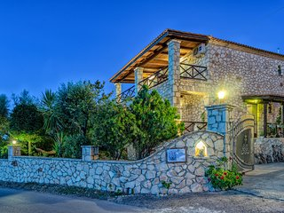 Orfeas Villa