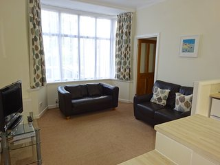 The Beulah 1 bed apartment No. 1... walk to harbour & beaches, 250m from centre