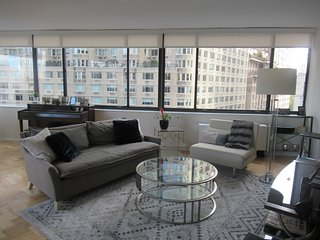 Private Bedroom in 2 BDR in Columbus Circle