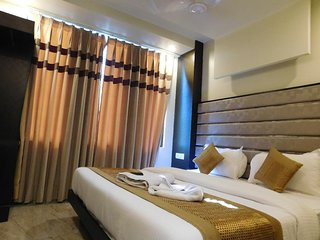 HOTEL GAURANGA - EXECUTIVE DOUBLE ROOM 3