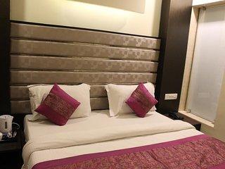 HOTEL GAURANGA - DELUXE DOUBLE ROOM 5