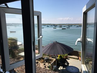 Stunning Waterfront Cottage