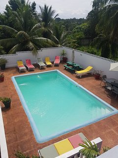 Tamarind Studio Apartment - Lovely Swimming Pool, Wi-Fi, Cable TV. Ocho Rios