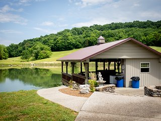 Tennessee DockHouse Retreat