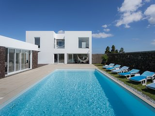 Villa Loureiro | Luxury Retreat