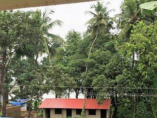 D'souza Lakeview Villa: A Luxury Vacation Home in Old Goa (Velha Goa)