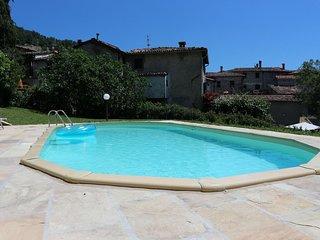 Spacious villa historic village, mountain views, walk to restaurants, WIFI