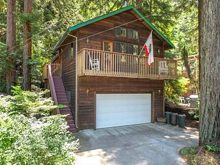 Absolute Zen Lovely Home in the Redwoods!