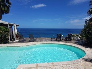 kazAnne, bungalow vue sur la mer des Caraibes, piscine et jacuzzi