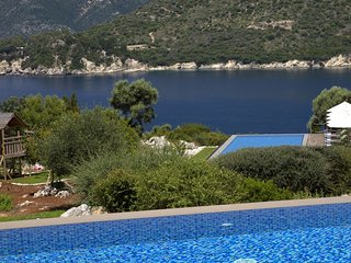 Exclusive Waterfront Villa,2 private pools & stunning view!