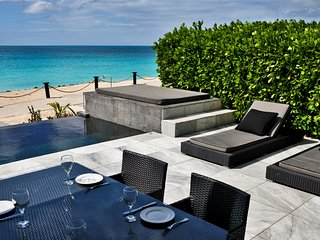 Beachfront modern townhouse at Ffryes Beach