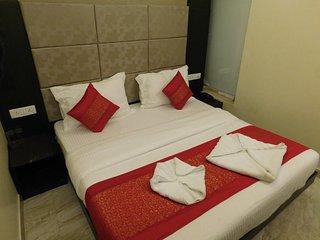 HOTEL GAURANGA - DELUXE DOUBLE ROOM 4